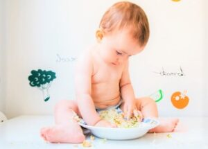 Feeding the baby in the fifth month